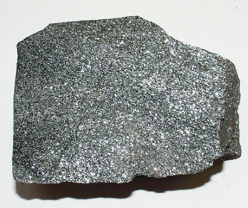 metall som finns i mineralen magnetit